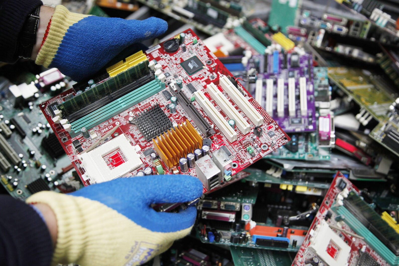 EUROPEAN INDUSTRY LAUNCHES NEW ONLINE PLATFORM ON HOW TO BEST RECYCLE ELECTRONIC WASTE